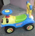 Samochodzik dzieci�cy