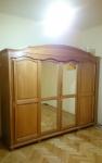 Stylowa 4-drzwiowa szafa
